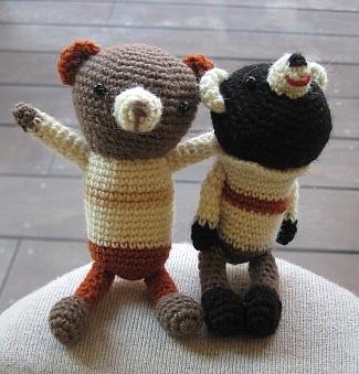 セーターを着たほのぼのくまさん二人2.jpg