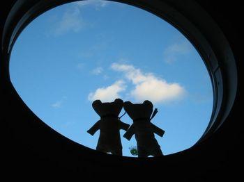 丸窓で黄昏る.jpg