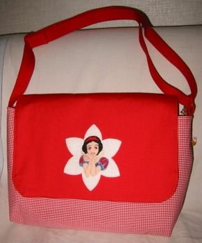 白雪姫のバッグ2.jpg