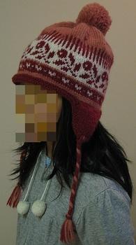 赤いバラのポンポン帽子2.jpg