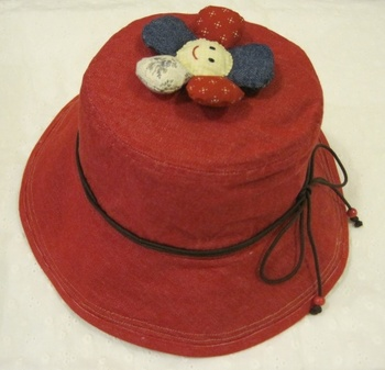 赤のデニム帽子.jpg
