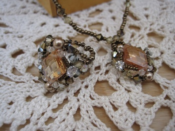 秋色スクエアスワロのネックレスとリング.jpg